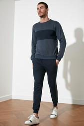 Одежда в розницу для мужчин 956153