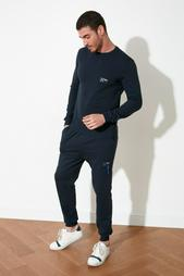 Одежда в розницу для мужчин 956155
