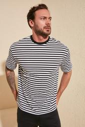 Одежда в розницу для мужчин 956166