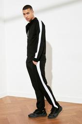 Одежда в розницу для мужчин 956158